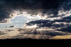 few sunbeams / @ 33 mm / 2019-09-02 (astrofreak81) Tags: explore fewsunbeams few sunbeams clouds shadow schatten sunset sun wolken sonnenuntergang sonne sky himmel heaven light dawn orangesky orange dresden 20190902 astrofreak81 sylviomüller sylvio müller