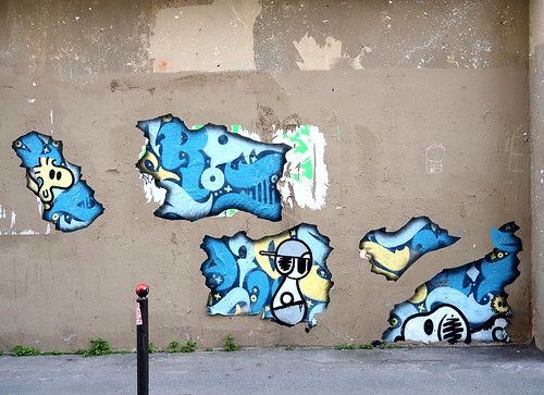 Pasted paper by Dark Snoopy [Paris 11e]