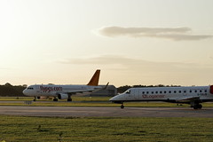 IMG_2393 (josephbower1) Tags: manchester airport canon 200d 70300mm lens planes spotting egcc avgeek airbus boeing flying a320 737800 737