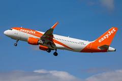 EasyJet - Airbus A320-214/S G-EZWL @ Bristol (Shaun Grist) Tags: gezwl ezy easyjet airbus a320 a320214 shaungrist takeoff 27 brs eggd bristol bristolairport bristollulsgate airport aircraft aviation aeroplanes airline avgeek