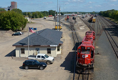 CP 4522- Flare by the Humboldt office (Khang Lu) Tags: cp canadian pacific humboldt yard emd gp382 gp40x 4522 camden job minneapolis mn minnesota railroad train locomotive office