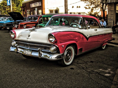 Classic Car Show Event - Phoenix  New York - Oswego County - Custom Fairlane  Ford