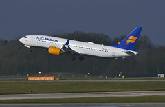 TF-ICY Max 8 Take Off (Infinity & Beyond Photography: Kev Cook) Tags: tficy icelandair airlines airways boeing 737 max 8 b737 aircraft airplane airliner ringway airport manchester man egcc planespotting photos planes