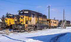 Power On The Ready (Cdr. McBragg) Tags: 2068 4231 6356 csxt chessie gp30 scl caboose snow