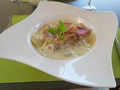 mushroom raviolis (Riex) Tags: raviolis mushroom champignons pâtes pasta food nourriture repas meal dish plat plate assiette ledelta pully vaud switzerland suisse g9x explored09032019