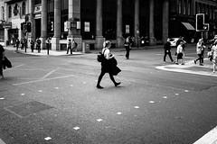 crossing (gato-gato-gato) Tags: apsc apsceu eu europa europe ferien fuji fujifilmx100f glasgow reisen schottland scotia scotland sommer travel urlaub x100f autofocus flickr gatogatogato holiday pocketcam pointandshoot summer trip wwwgatogatogatoch black white schwarz weiss bw monochrom monochrome blanc noir streetphotography street strasse strase onthestreets streettogs streetpic streetphotographer mensch person human pedestrian fussgänger fusgänger passant fujifilm fujix x100 x100p digital reise adventure holidays
