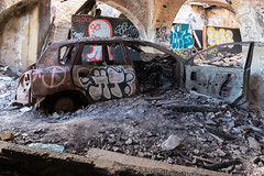 End of the Road (Torsten Reimer) Tags: indoors auto abandoned trümmer lisbon europa rubble car debris rust graffiti derelict europe verlassen portugal almadacovadapiedadepragal áreametropolitanadelisboa