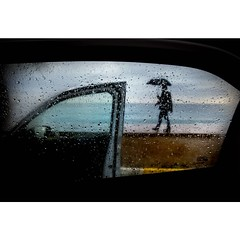 Selnur Okudan © (eyephotomagazine) Tags: photo photography street streetphoto streetphotography streetphotographer urban city rain rainyday umbrella car mood daily instagram instadaily moodygram magazine photomagazine
