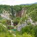Luftbild vom Wasserfall Veliki Slap und den Unteren Seen im Nationalpark Plitvicer Seen, Kroatien