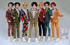 BTS (CR1965) Tags: dollcollecting doll kpop bringthesoul bangtansonyeondan beyondthescene mattel music jin v rm suga jimin jhope jungkook korea