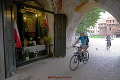 City wall of Krakow (elbigote1946) Tags: stadtmauer krakow poland cyclist altar romancatholicfaith religiouspartofsurroundingwall
