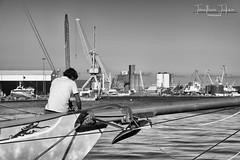 L'homme face a l'industrie (julienjonathan.photographie) Tags: black white bw sea ocean brest bretagne port boat bateau voilier industrie nature humain homme bois cordage corde