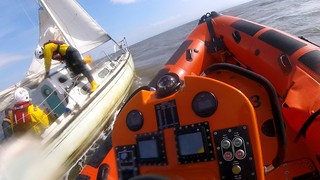 Porthcawl RNLI assist a yacht with engine difficulties