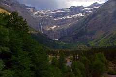 Unforgettable panorama on top of the world in the Pyrenees (mark.paradox) Tags: france pyrenees landscape view panorama beauty scenery forest mountain waterfall hike trail adventure altitude summer ice snow colors green blue white trees cirquedegavarnie