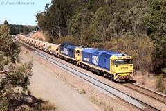 IMG_7373 8129 8146 Greta 5M33 3.9.19_1 (Brians Railway, Bus and Shipping Collection) Tags: 8129 8146 ballast pn pacificnational gm 81class greta nsw australia train railway railroad wagons