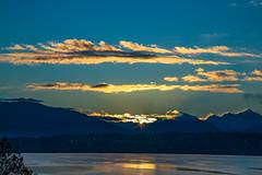 Sunrise at Lake Leman (FVillalpando) Tags: landscape sunrise lake water sky clouds mountains blue reflection ngysaex