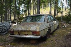 Strich 8 (mariburg) Tags: marode alt old sonyalpha7ii sonyfe2470mmf4zaoss auto car mercedes mercedesbenz