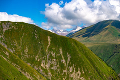 Caucasus Mountain view from the cable car connecting Kazbegi and Gudauri, Georgia (CamelKW) Tags: georgia mtskhetamtianeti georgia2019 view cablecar gudauri kazbegi caucasusmountain