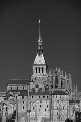 Majestueuse simplicité, Mont-Saint-Michel (.urbanman.) Tags: montsaintmichel merveille normandie manche abbaye abbatiale noir monochrome flèche saintmichel roman gothique lumineux architecture bw