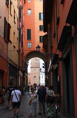 Bologna - 2.9.2019 (marti.labruna) Tags: bologna city streetphotography italy portici centro storico