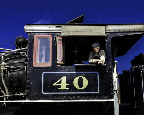 02469376422838-116-19-09-Old Locomotive Number 40-1