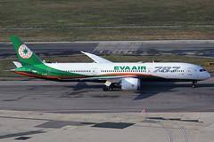 EVA Air Boeing 787-9 B-17881 (c/n 39295) (Manfred Saitz) Tags: vienna airport schwechat vie loww flughafen wien eva air boeing 7879 789 b789 b17881 breg