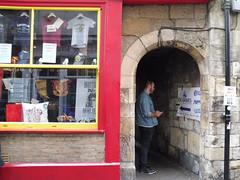 P1060920 (faithful-viewer) Tags: york yorkshire northyorkshire england york2019 yorkshire2019 england2019 uk2019 unitedkingdom greatbritain gb theshambles yorkshambles harrypotter diagonalley harrypottershop theshopthatmustnotbenamed theyboywizard wizardworld wizardingworld potions hpshop harrypotterlocations harrypotterlocation hplocations jkrowling gryffindor slytherin hufflepuff ravenclaw quidditch ukheritage historical historicalengland yorkshiremuseum yorkminster flowers romanwalls yorkcitywalls citywalls cityscape travelpics travelphotos travel travels trip trips travelphotography travelblog architecture architecturephotography englandismycity