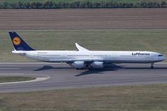 Lufthansa Airbus 340-642 D-AIHC (c/n 523) (Manfred Saitz) Tags: vienna airport schwechat vie loww flughafen wien lufthansa airbus 340600 346 a346 daihc dreg