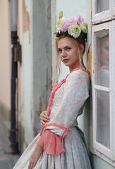 Eve ... Barokk Esküvő 2019 _ FP6126M (attila.stefan) Tags: evelin eve beauty barokk baroque esküvő wedding days napok festival fesztivál 2019 summer nyár stefán stefan attila tamron aspherical 2875mm girl győr gyor window
