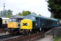 47376 and 45149 (Hesterjenna Photography) Tags: gwr toddington gloucestershire trainstation train diesel dieselengine railway railwaystation
