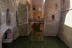 2019-09-04_12-17-35 (eka phil) Tags: italy mantova mobilephoto water bridge castle brick reflections