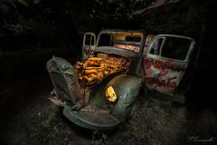 Dumbo (Felipe Carrasquilla Campaña) Tags: noctámbulos largaexposición longexposure carrasquilla nightphotography nocturna coche abandonado fotografíanocturna