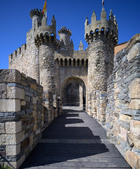 Road to Caramulo-4254 (Cal Fraser) Tags: 18mm castillayleón castillodelostemplarios leica ponferrada spain superelmar templarcastle templarfortress