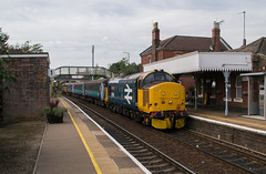 37558 - 2P20 - Acle - 31.08.2019 (Tom Watson 70013) Tags: norfolk greater anglia acle drs br blue large logo 37558 37424 station 2p20