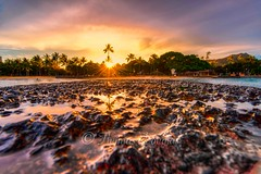 Sunset Waikiki Hawaii (600tom) Tags: golden beach water holidays glow rocks sunset hawaii waikiki