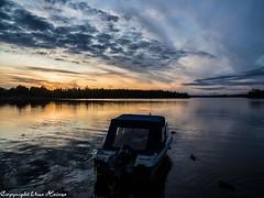 Sonnenuntergang am Åsnen 082019 01 (U. Heinze) Tags: schweden sverige sweden sonnenuntergang olympus omd em1markii nature natur himmel sky wasser wolken see lake 12100mm