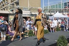 Modeshow (Mary Berkhout) Tags: maryberkhout cultureelzomerfestival winkelcentrum dejulianabaan modeshow mode mannequins voorburg