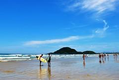 Soon... (Ruby Augusto) Tags: bertiogasp litoralnortepaulista beach praiaoceânica tourists turistas surfistas surfers ilha