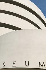 Solomon R. #Guggenheim #Museum  #Manhattan , #NewYorkCity (Σταύρος) Tags: fifthavenue 5thavenue uppereastside circular exterior angle design architecture seum franklloydwright newyorkcity guggenheim museum manhattan newyork ny nyc bigapple thebigapple sculpture art iminyuziyamu amgueddfa museo музей museu 박물관 博物館 músaem halehōʻikeʻike μουσείο musée muzej թանգարան متحف