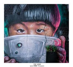 The look (Ignacio Ferre) Tags: londres london graffiti streetart art painting lumix panasonic kid chico look mirada inglaterra england granbretaña greatbritain unitedkingdom reinounido arte thelook