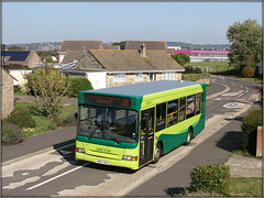 3326, Fieldfare Road (Jason 87030) Tags: dennis dart lf pointer mpd fieldfareroad hosues roofs gardens bus wheels canon pole shot sunny weather college gunville housingestate 38 service route buu boo frame border buses transport lighting iow island isle wight shoot session slf