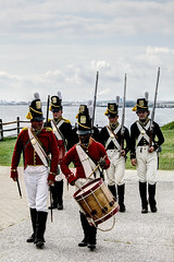US MD Baltimore - Fort McHenry National Monument - view of the Key Bridge (David Pirmann) Tags: maryland baltimore fortmchenry warof1812 francisscottkey nationalregisterofhistoricplaces nationalpark nrhp66000907 soldiers musket rifle