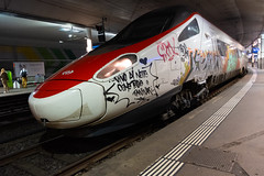 Graffiti Train (Role Bigler) Tags: alstom alstometr610 bahn bahnhof bern berne etr610 fujifilmxt2 graffiti highiso city fujinon1855ois hauptbahnhof highspeedtrain railway railwaystation schweiz stadt suisse switzerland train sbb cff ffs