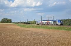 Zgc (Marc_135) Tags: z27500 z27589 franchecomté issurtille flacey soleil bleu zgc agc ter pn train rail champs