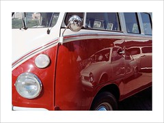 Shining (W Gaspar) Tags: juizdefora minasgerais minas film analog kombi vw old vehicle kodak colorplus iso200 nikon nikkor f80 photoborder urban exposition transportation geotagged southamerica latinamerica 2880mm