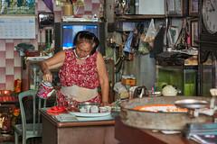 Bangkok – Tea shop woman (Thomas Mulchi) Tags: wongwienlek photowalk 2019 bpg bangkokphotographersgroup bangkok thailand khlongsan khlongsandistrict people person woman bangkokmetropolitanregion