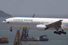B-HNV, Boeing 777-300, Cathay Pacific, Hong Kong (ColinParker777) Tags: bhnv boring b777 b773 773 777 777300 b777300 b77731h 77731h a6emv emirates cathay pacific airlines airways air aircraft aeroplane airliner airplane cpa cx ek uae approach landing finals rolls royce trent800 hkg vhhh hong kong chek lap kok international airport hksar china barge boats crane shop sea river delta water ocean canon 5d 5dsr 200400 l lens zoom telephoto pro 28687 432