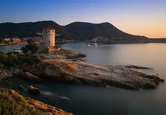 Alternative ships. (Emykla) Tags: italia italy toscana tuscany mare sea rocce rocks torre tower giglio island isola tramonto sunset longexposure nikond3100 1855 campese spiaggia beach torredelcampese