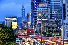 Rush Hour @ Taipei (Jennifer 真泥佛 * Taiwan) Tags: taipei101 taipei101building 北門郵局 忠孝西路 尖峰時間 下班 下班時間 車流 臺北101 臺北郵局 中華路 北門捷運站 北門 台北車站 日落 magichour summer 承恩門 相機街 塔城街