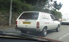 1990 Peugeot 305 1.9D Van (occama) Tags: g317wtt 1990 peugeot 305 van old rare white builder tradesman sign written french cornwall uk diesel bangernomics